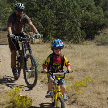 4 Tips for a Successful Family Bike Ride